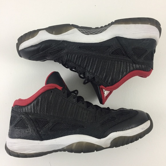 bcd15bc106 Nike Air Jordan 11 XI IE Retro Low Top Shoes.